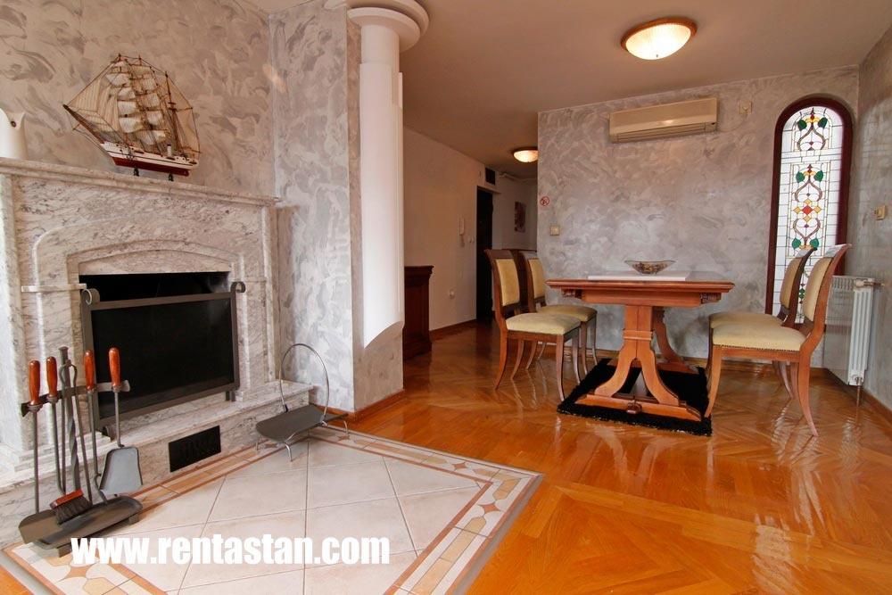 19-trpezarija-i-kamin-mona-apartman-beograd-belgrade-apartments