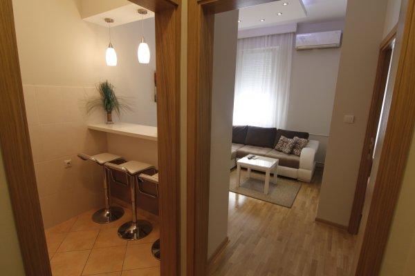 Entrance New Belgrade Apartment ORION
