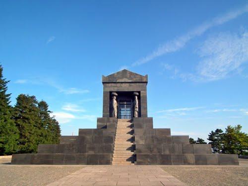 Beograd koji manje poznajemo - spomenik neznanom junaku
