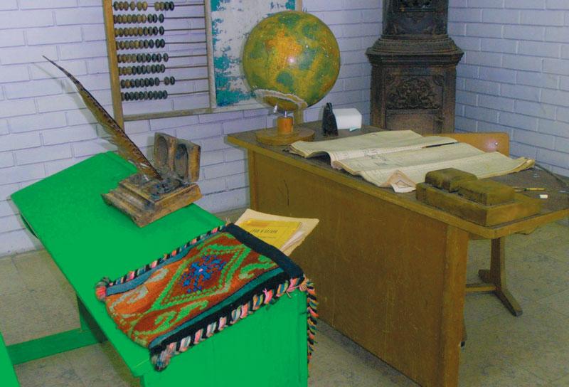 U Velikoj školi su prvi put uvedene Skamije odnosno školske klupe