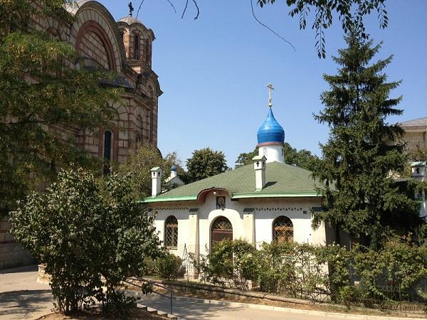 Russian Orthodox Church, Belgrade taken from http://triptobelgrade.canalblog.com/archives/2013/08/21/27872743.html