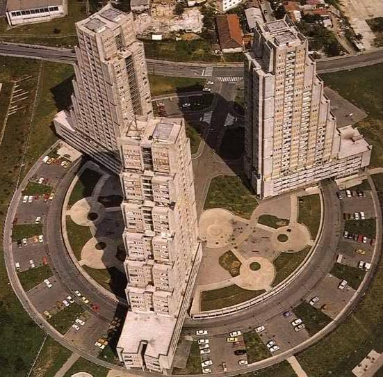 rudo - 10 neobičnih zgrada u Beogradu